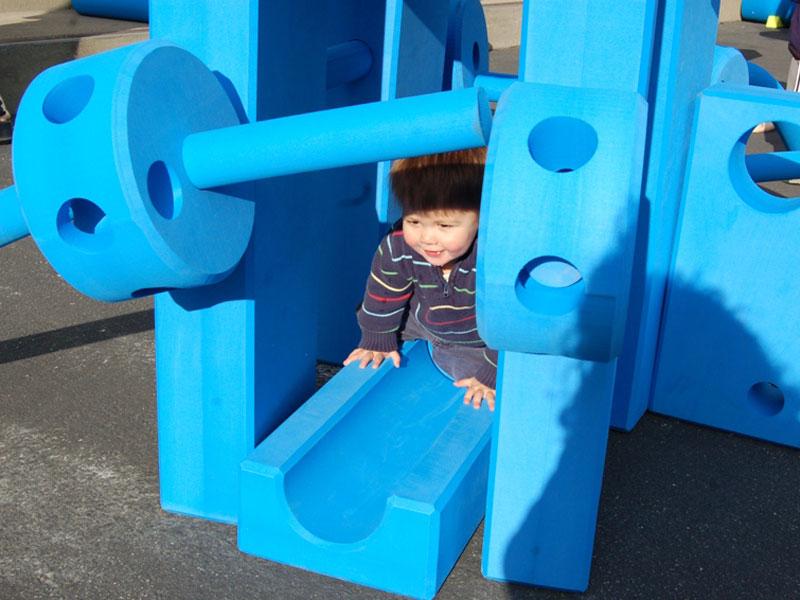 apesa spielgeraete imagination-playground Material
