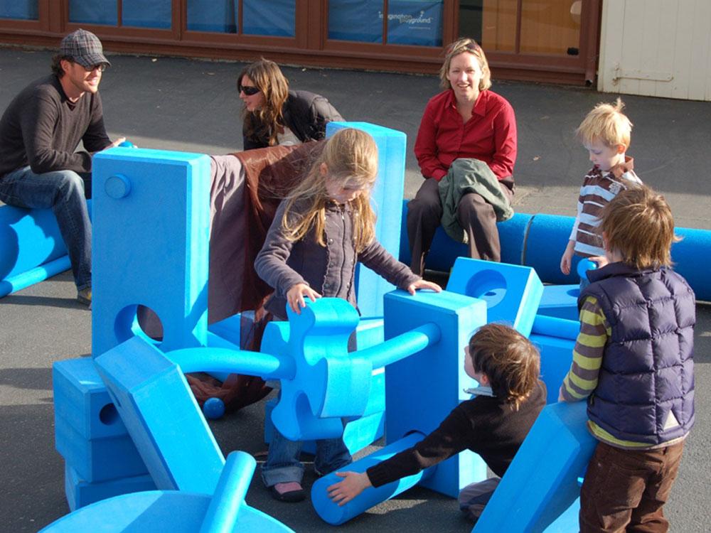 Die Kinder sind spielend am lernen