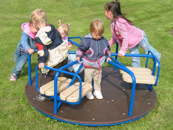 Karusell sind Spielgeräte die sich im Kreis drehen, Spielplatz