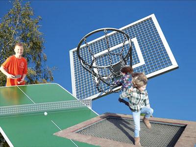 Spiel- und Sport auf dem Spielplatz