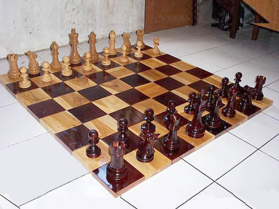 Schachfelder, Schachbretter aus Teakholz