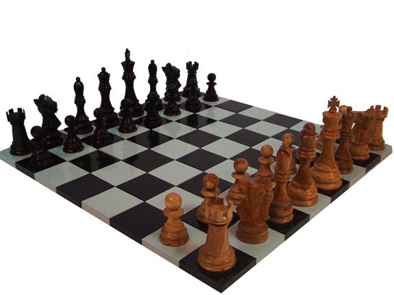 Schachfeld in klassisch weiss und schwarz