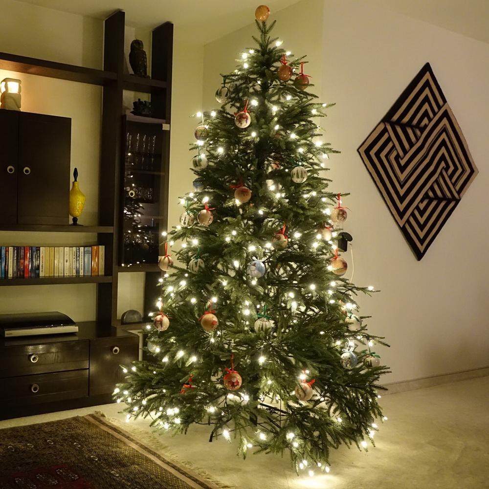 Weihnachten 2013 der erste richtige künstliche Christbau