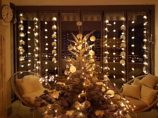 Weihnachtsfenster stimmungsvoll gestaltet