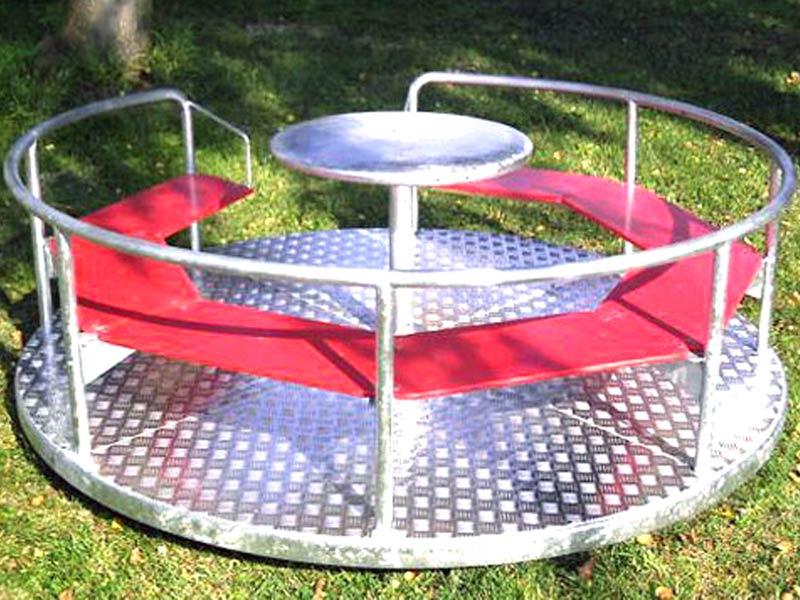 Karussell heissen auch und Merry Go Round und gehören auf den Spielplatz