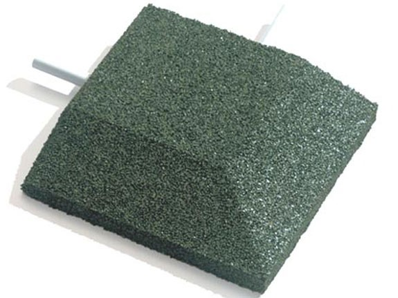 Keilrand-Eckelement 25x25x4.5cm grün mit 2 Befestigungsstiften