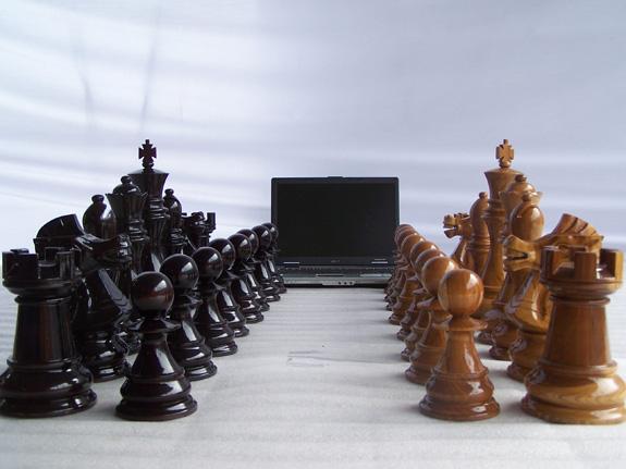 Giant-Chess Schachfiguren machen auch Werbung