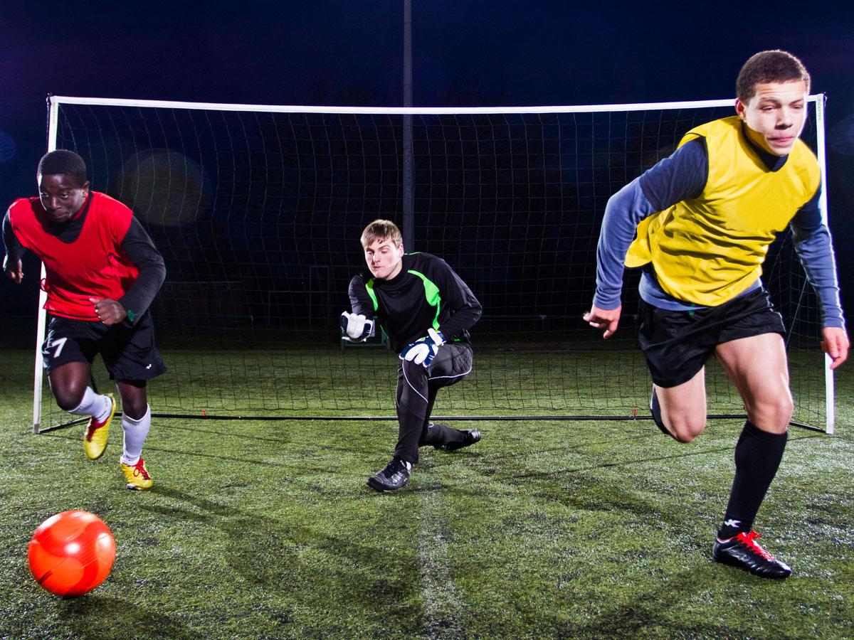 Fussballspielen mit stationären oder mobilen Toren