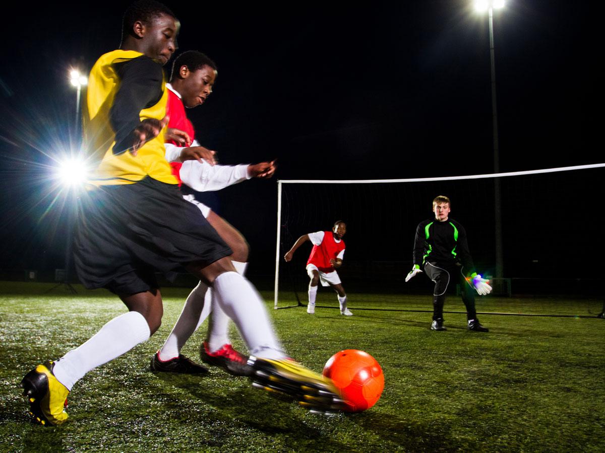 Kickster Goal, der Rasen wird zum Fussballfeld