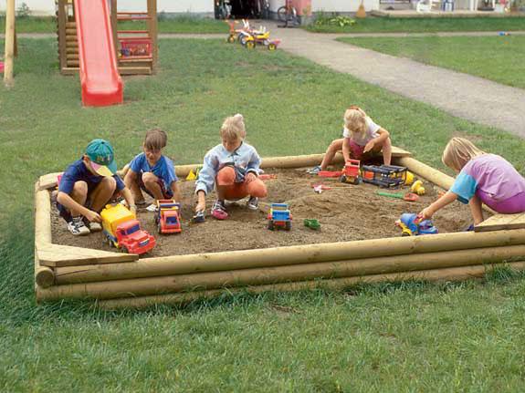 Sandkasten extra robust für Spielplatz