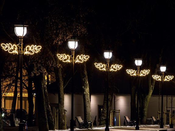 Kandelaberbeleuchtung Lichtdesign als Lichtkunst