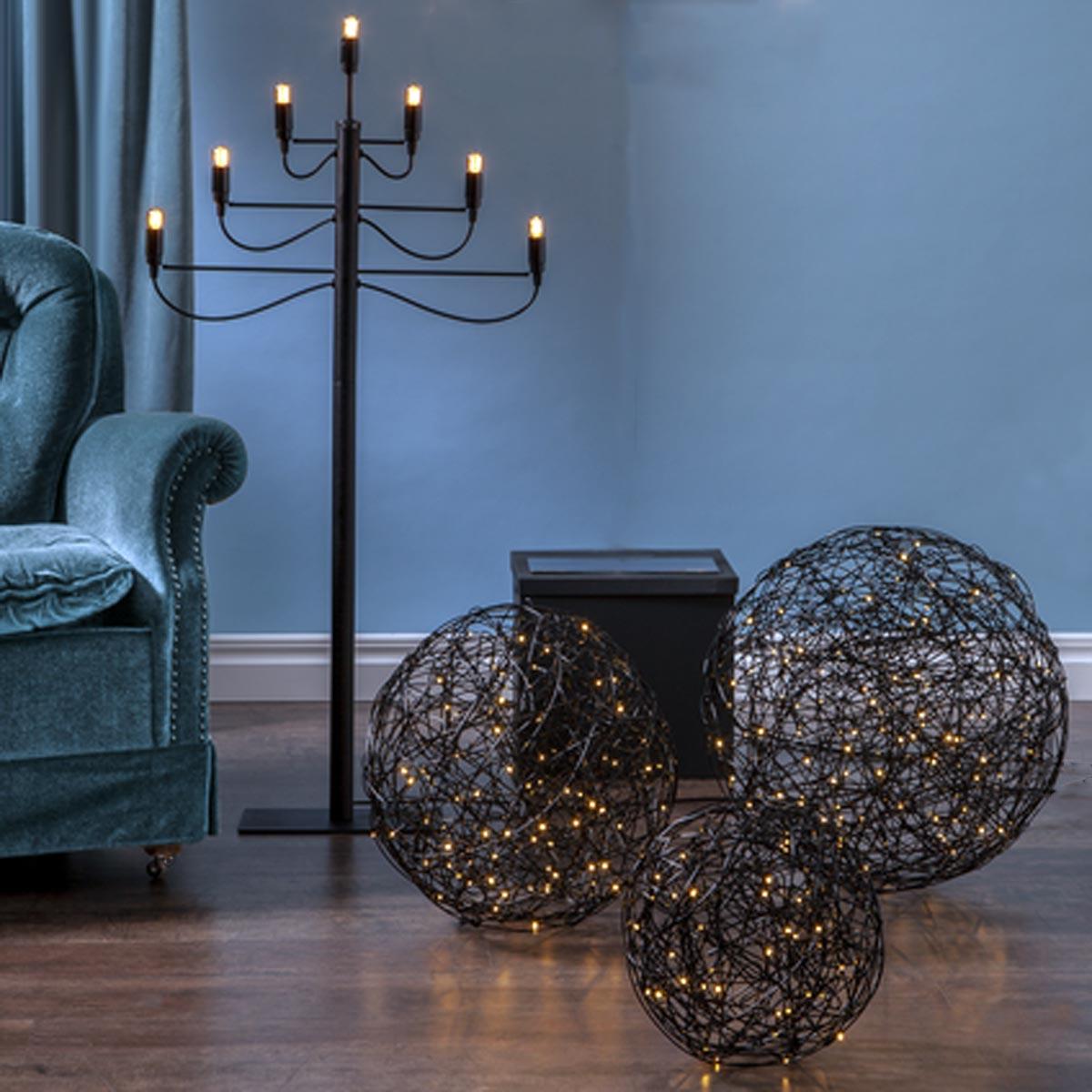 Lichtkugeln sind für Innenräume und für den Garten