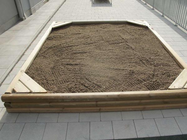 Sandkasten Rico 300 x 300 cm aus Rundholz