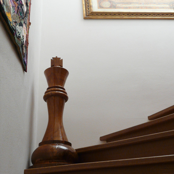 Schachfiguren für langweilige Treppen